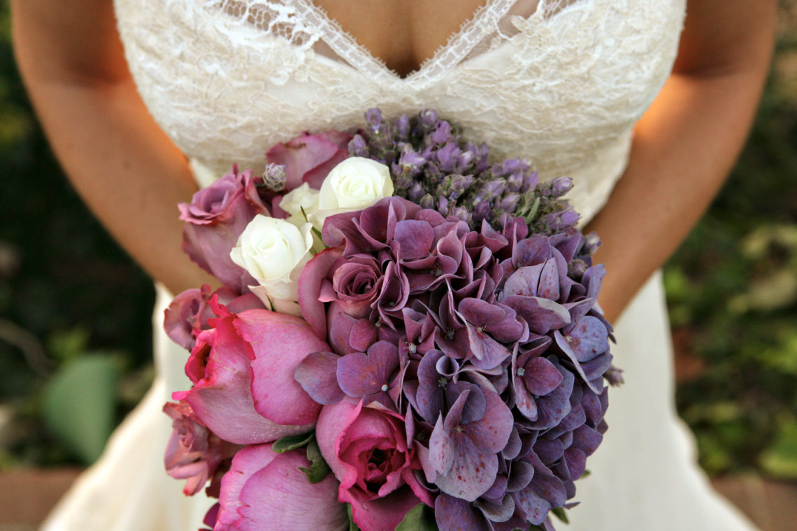 janie-sean-001-pacific-palisades-wedding-photographer-deborah-coleman-photography-PacificPalisadesJanieSeanWedding_BrideFlowers10