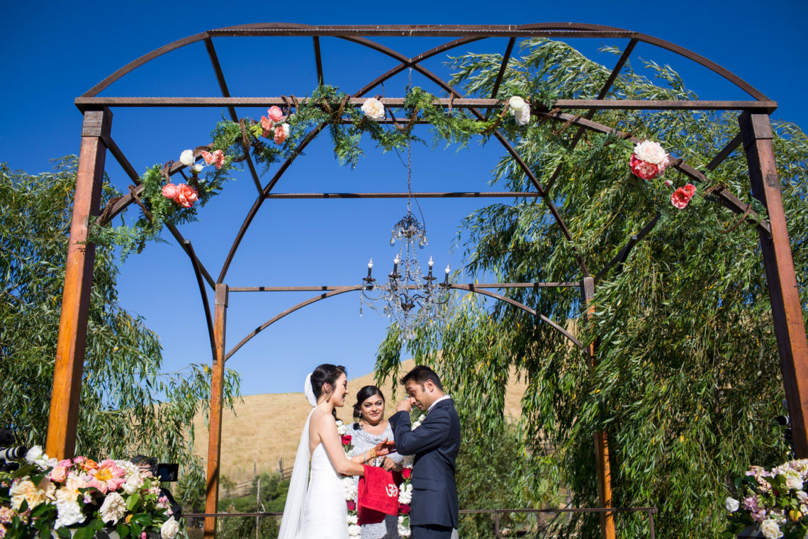 18_linda-nayan-303-nella-terra-cellars-sunol-wedding-photographer-deborah-coleman-photography