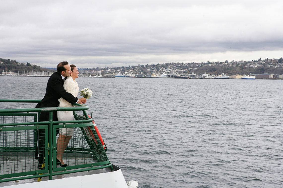 allison-dave-018-bainbridge-island-ferry-seattle-wedding-photographer-deborah-coleman-photography-18_20101126BrooksCatechiWedding_DLC258