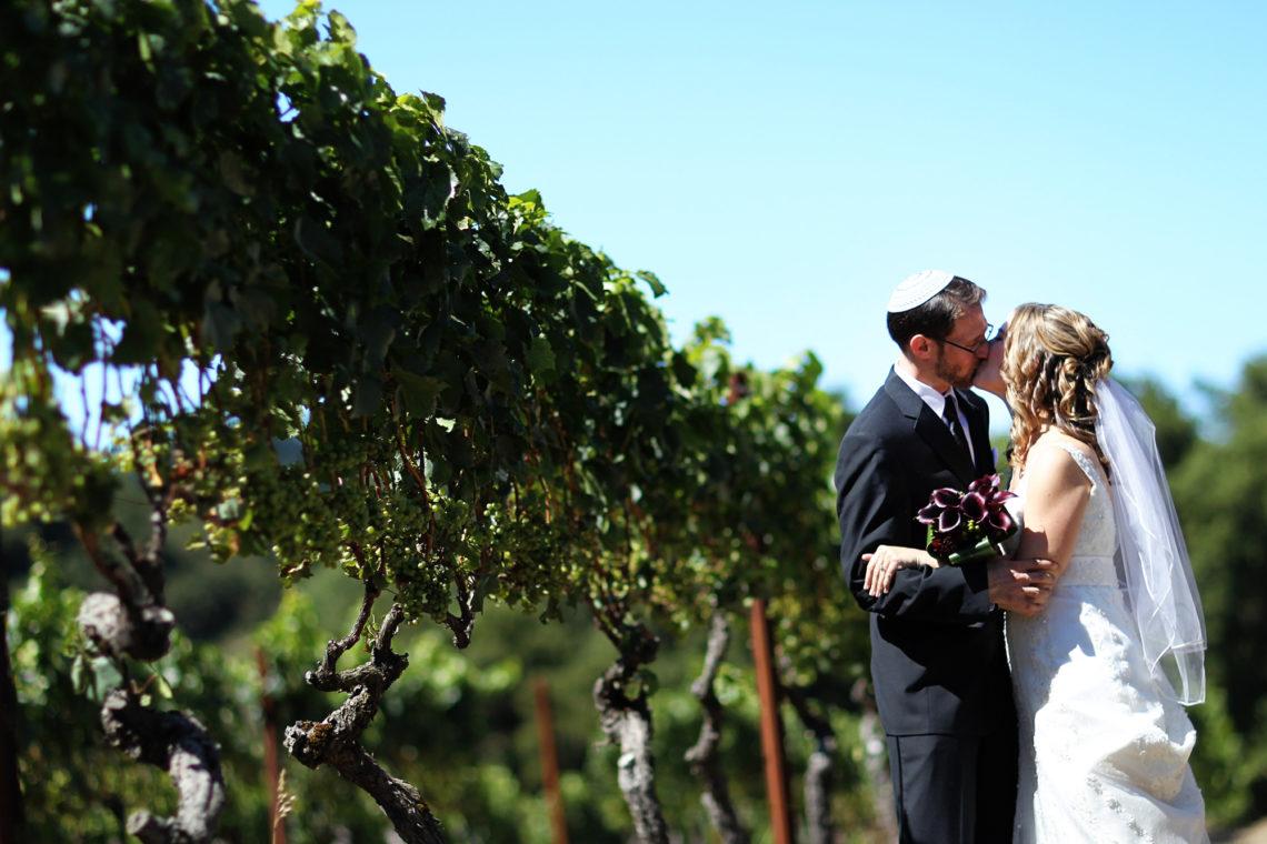 laurie-aviv-006-fogarty-winery-woodside-wedding-photographer-deborah-coleman-photography