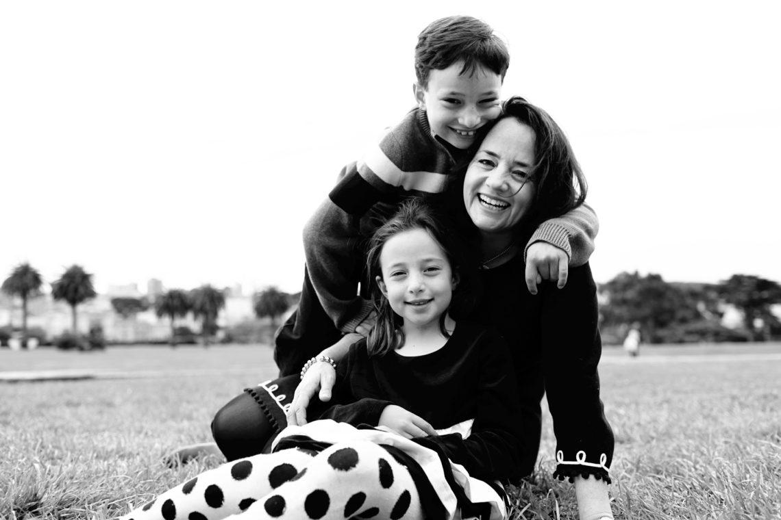elaine-005-crissy-field-san-francisco-family-photographer-deborah-coleman-photography-20111105_ElaineDimitryCharlieEllie071