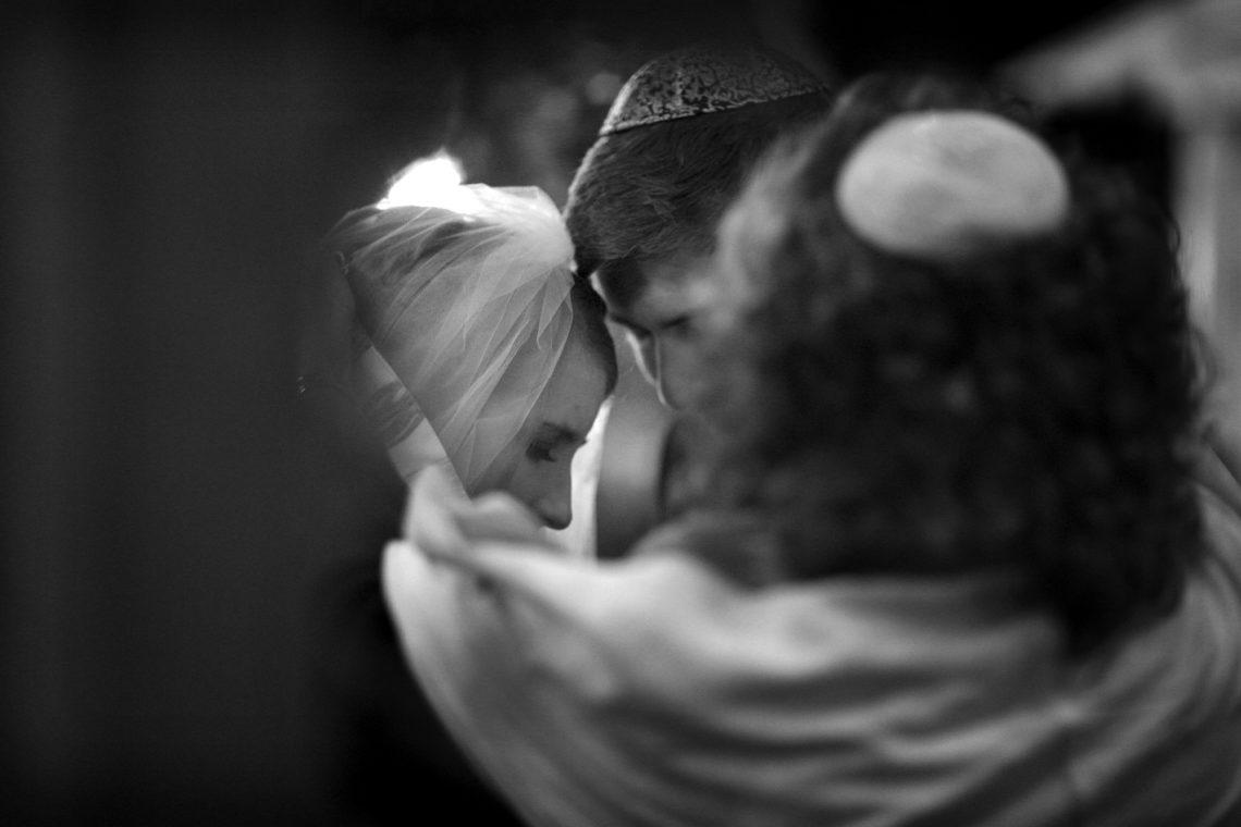 simone-mark-017-san-francisco-conservatory-of-flowers-san-francisco-wedding-photographer-deborah-coleman-photography-17_SanFranciscoConservatoryOfFlowersWeddingSimoneMark_0252
