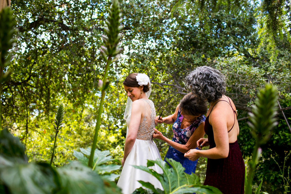 lauren-blaire-104-big-table-ranch-yosemite-coulterville-wedding-photographer-deborah-coleman-photography